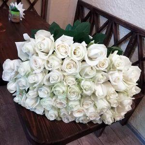 букет на юбилей 101 белая роза в Ровно фото