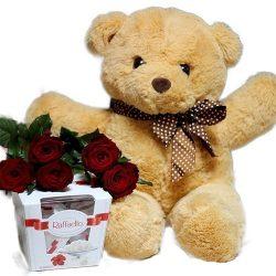 """Фото товара Ведмедик з букетом троянд та """"Raffaello"""" в Ровно"""