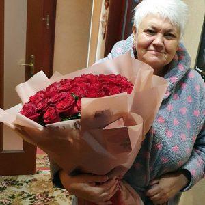 51 красная роза в Ровно фото