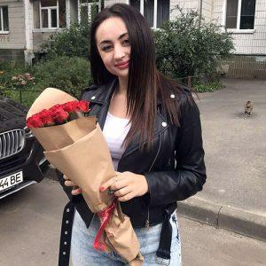 11 красных роз в Ровно фото