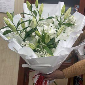 букет белых лилий в Ровно фото