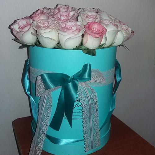 21 ніжно-рожева троянда в коробці фото