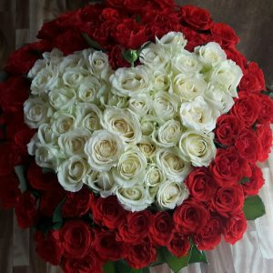 букет роз в форме сердца в Ровно фото