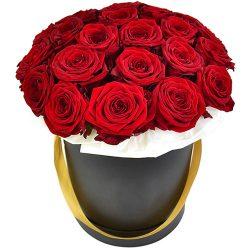 21 роза в шляпной коробочке