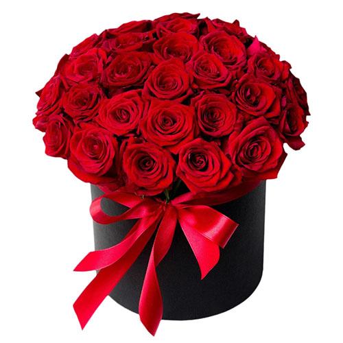 33 троянди в капелюшній коробці фото