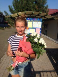 Фото товару 15 білих троянд