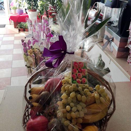 корзина фруктов в Ровно фото