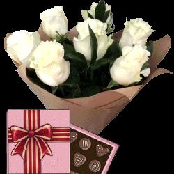 Фото товара 7 белых роз с конфетами в Ровно
