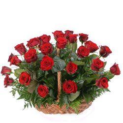 Фото товара 35 червоних троянд в кошику в Ровно