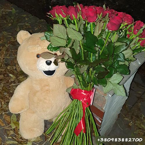 51 червона троянда та ведмедик фото