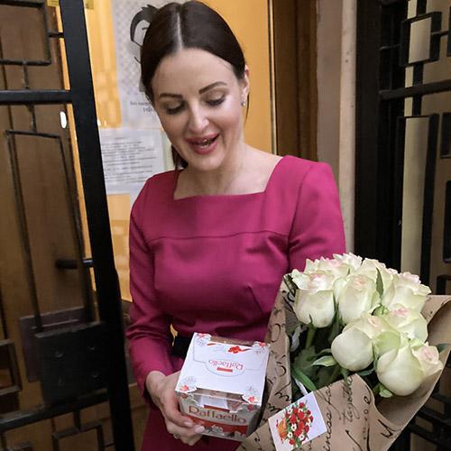 Фото товару Троянда імпортна біла