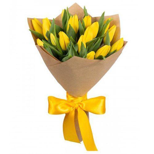 букет 15 жёлтых тюльпанов