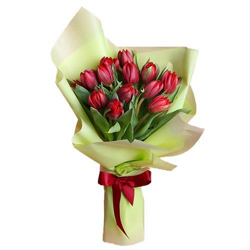 Фото товара 15 червоних тюльпанів у зеленій упаковці в Ровно