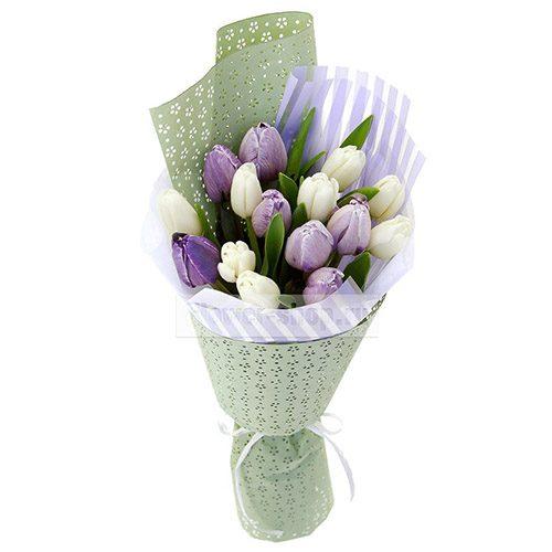 Фото товара 15 бело-фиолетовых тюльпанов в Ровно