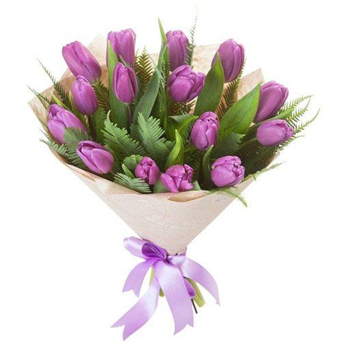 Фото товара 15 фиолетовых тюльпанов с декором в Ровно