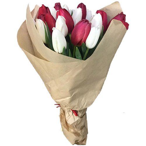 Фото товара 21 червоно-білий тюльпан у крафт в Ровно