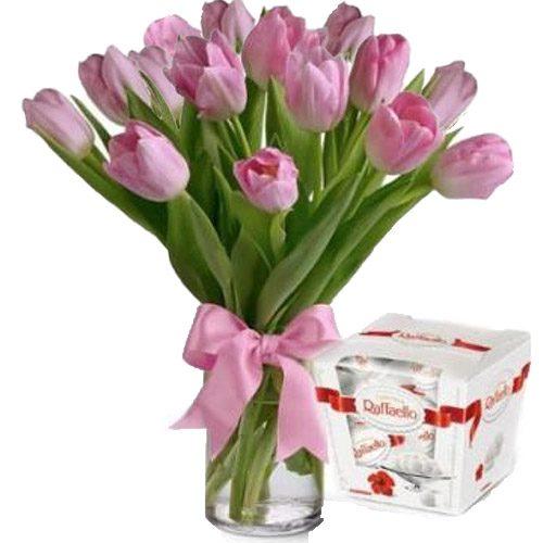 Фото товара 15 тюльпанів і «Raffaello» в Ровно