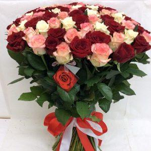101 роза разного сорта и цвета в Ровно